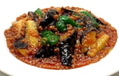 "The model of the dish ""Fried eggplant with pepper"""