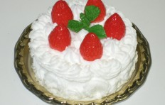Cake w. strawberries