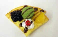 Crepe w. green tea ice cream