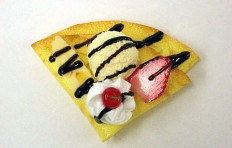 Crepe w. vanilla ice cream