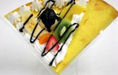 Fruit mix w. ice cream & chocolate