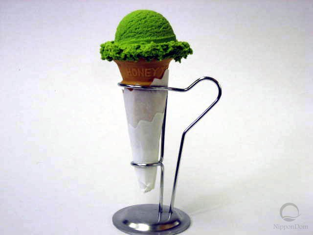 Green tea ice cream (scoop)