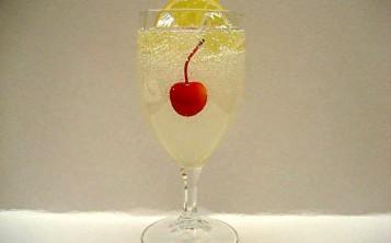 Plastic replicas of dishes - Lemonade