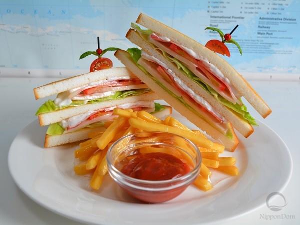 """Стоимость муляжа """"Сэндвич с куриной грудкой"""" 210 $"""