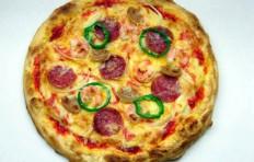 Salami and shrimp pizza (25 cm)
