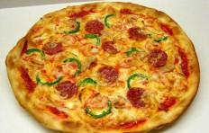 Salami and shrimp pizza (31 cm)