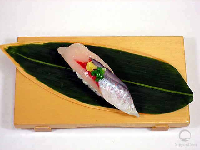 Replica of sushi Saury (3)