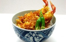 Fried shrimps with green pepper