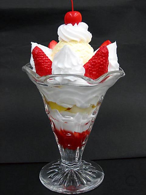Strawberry parfait-1