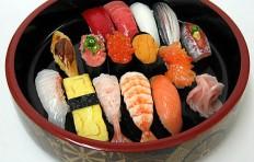 Муляж ассорти из суши-2