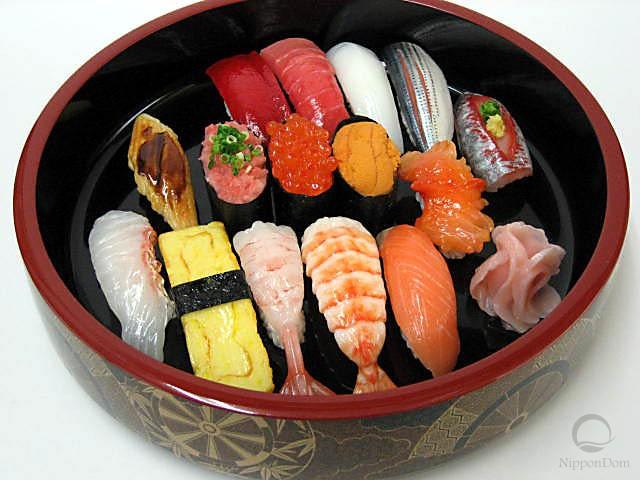 A replica of sushi set (15 pieces)