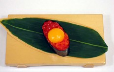 Tobiko with quail egg yolk-2