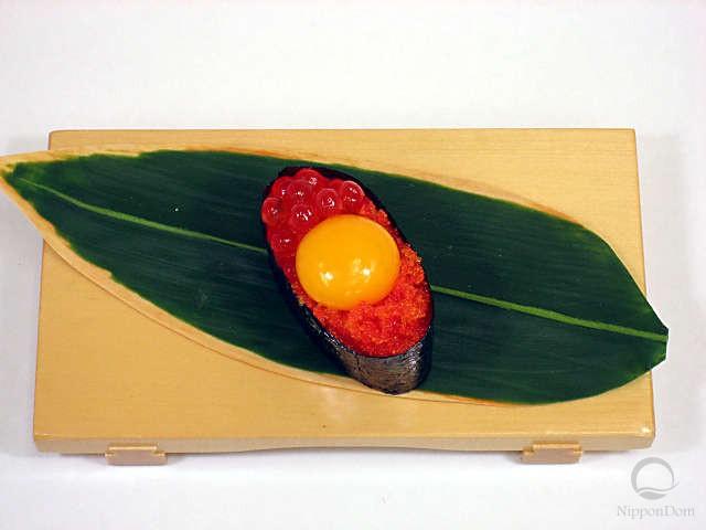 Tobiko with quail egg yolk-2