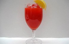 Tomato juice decorated with lemon