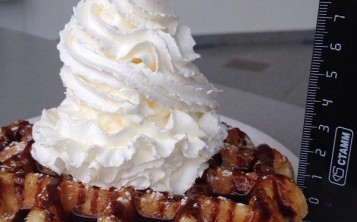 "Waffle ""Cream-topping"""