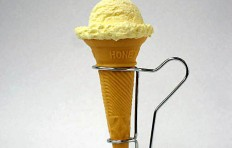 Vanilla ice cream (scoop)