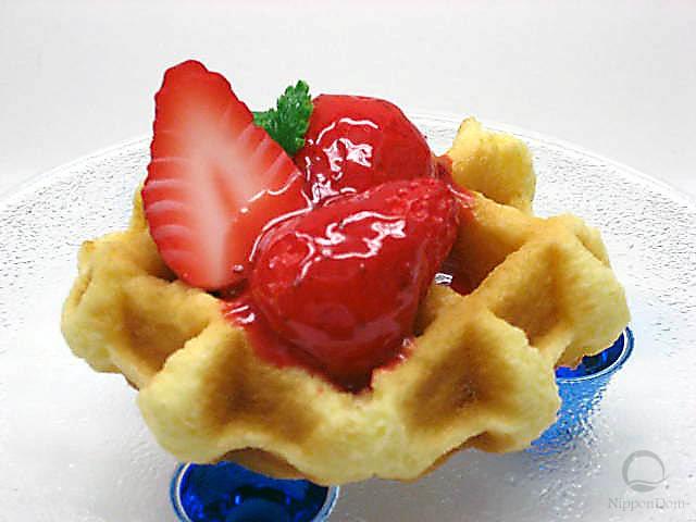 Waffle w. strawberries
